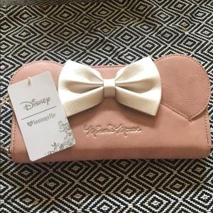 BNWT Loungefly pink Minnie wallet